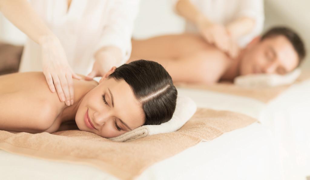 Massage Mann und Frau